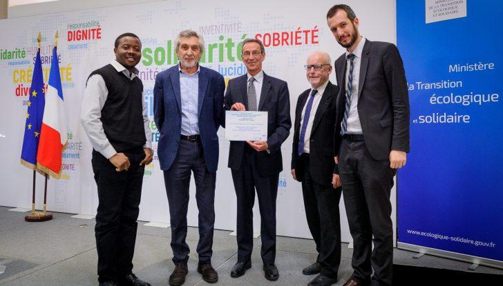 Cérémonie de remise des prix aux lauréats de l'appel à projets « Solutions innovantes pour l'accès à l'énergie hors réseaux » (Hôtel de Roquelaure - Paris)